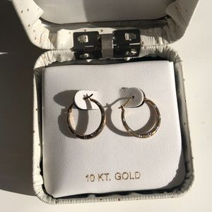 Jewelry - 10k gold hoops